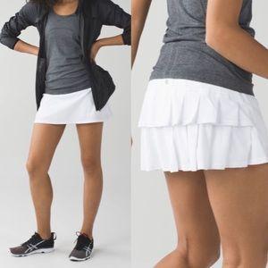 Lululemon white run pace setter skirt 6